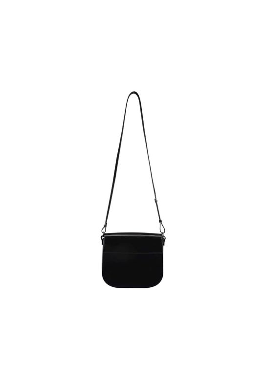 ESSENTIAL-SHOULDER-BAG3